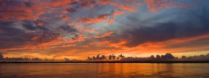Panoramische zonsondergang in de Guadiana Stock Foto's