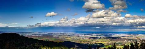 Panoramischer Überblick zu Elsass von der Abtei Mont Saint Odile Frühling Lizenzfreie Stockfotos