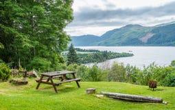 Panoramischer Anblick in Loch Ness, in den schottischen Hochländern, südwestlich von Inverness Lizenzfreies Stockbild