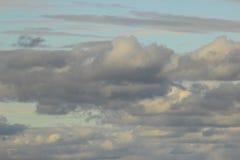 Panoramischer Hintergrund von Wolken Stockbild