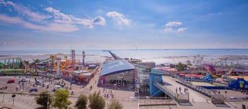 Panoramischer Pier und amuzement parken am Südende auf Meer Lizenzfreie Stockfotos