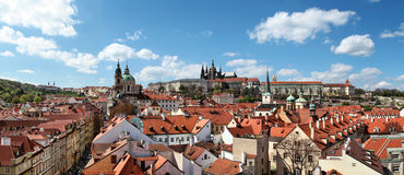 Panoramisches Foto des Prag-Schlosses Stockfotos