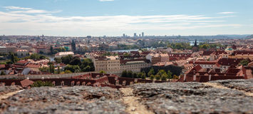Panoramisches Foto Gehen in die Straßen von Prag Stockfotos
