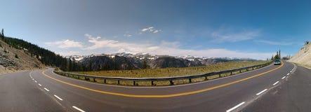 Panoramisches genommen auf der szenischen Landstraße Beartooth, während einer Reise zu Yellowstone Nationalpark stockfotografie