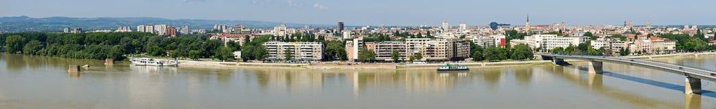 Panoramisches Stadtbild von Novi Sad, Serbien stockfotos