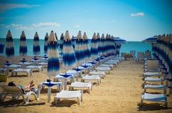 Panoramy bryczki longue Albena plaży Bułgaria morze Obrazy Stock