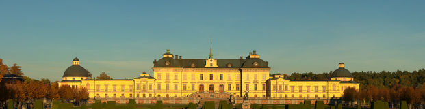 Panoramy Drottningholm slott na zewnątrz Sto (pałac królewski) Zdjęcia Stock