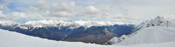 Panoramy góra w słonecznym dniu, Krasnaya Polyana, Sochi Obraz Royalty Free
