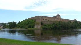 Panoramy Ivangorod forteca, obłoczny dzień w august Ivangorod, Rosja zbiory