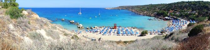 Panoramy plaży wybrzeża krajobrazu morza śródziemnomorskiego Cypr wyspa Zdjęcia Stock