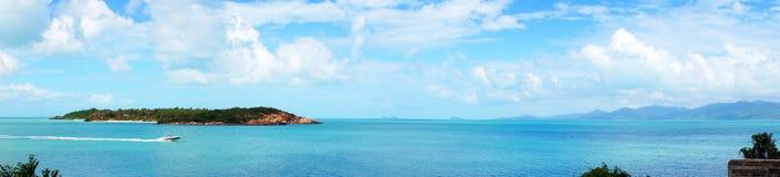Panoramy Skalista plaża Zdjęcia Stock