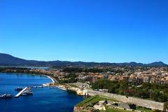 panoramy stary miasteczko Stary miasteczka i morza widok Ionian morze Obrazy Stock