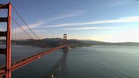 Panorera den Tid schackningsperioden av Golden gate bridge San Francisco arkivfilmer