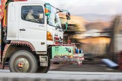 Panorera fotografi av lastbilen fotografering för bildbyråer