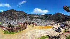 Panorera timelapse i kanten av den Tangkuban Perahu krater lager videofilmer