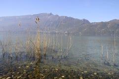 Grande vue de lac Bourget en la Savoie, France Photographie stock libre de droits