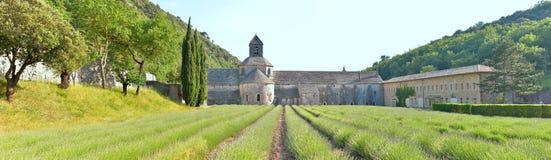 Panorsamic abbotskloster di Senanque, Royaltyfri Bild