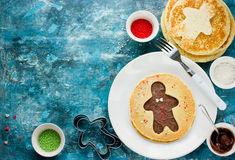 Panqueca do homem de pão-de-espécie Panqueca doce com chocolate e açúcar Imagem de Stock Royalty Free