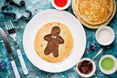 Panqueca do homem de pão-de-espécie Panqueca doce com chocolate e açúcar Imagens de Stock Royalty Free