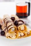 Panqueca doce com molho de chocolate Imagem de Stock