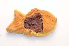 panqueca Peixe-dada forma enchida com atolamento do feijão Foto de Stock