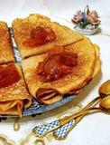 Panquecas do blini do russo Celebração de Maslenitsa Semana da panqueca Maslenitsa é um feriado tradicional eslavo oriental foto de stock