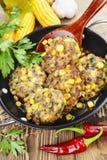 Panquecas do milho com carne triturada imagens de stock