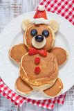 Panquecas do urso para o café da manhã das crianças Fotografia de Stock