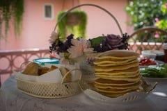 Panquecas ordinárias frescas servidas para o café da manhã Imagem de Stock