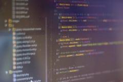 Pantalla abstracta programada del código del desarrollador de software imágenes de archivo libres de regalías