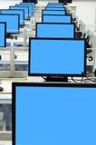Pantalla azul de la sala de ordenadores Fotos de archivo