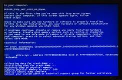 Pantalla azul del ordenador fotos de archivo