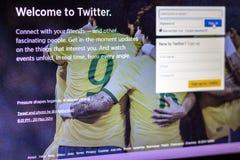 Pantalla 2014 de la inscripción de Twitter imagenes de archivo