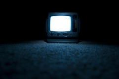 Pantalla de la TV encendido en la noche Foto de archivo