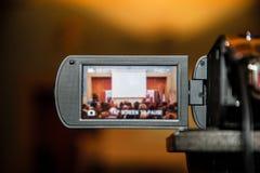 Pantalla de visualización del LCD en una alta cámara de televisión de la definición Foto de archivo libre de regalías