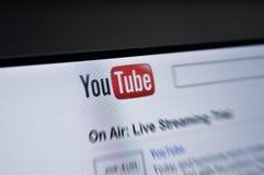 pantalla del Internet de la paginación principal de YouTube.com Imagen de archivo libre de regalías