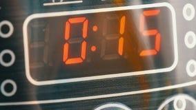 Pantalla del multicooker con la opción de los diversos programas cercanos encima de la visión, primer de Digitaces de la pantalla almacen de metraje de vídeo