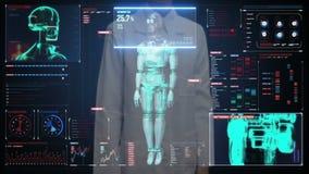 Pantalla digital conmovedora del doctor de sexo femenino, cuerpo de exploración del cyborg del robot en interfaz digital Intelige almacen de metraje de vídeo