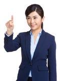 Pantalla táctil de la mujer de negocios imagen de archivo libre de regalías