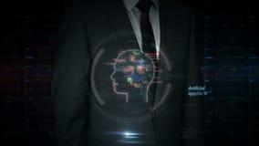 Pantalla táctil del hombre de negocios con el holograma de la gestión de datos almacen de metraje de vídeo