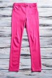 Pantalones casuales del color rosado Fotografía de archivo libre de regalías