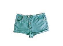 Pantalones cortos cortos del dril de algodón con el borde rasgado, aislado en el fondo blanco Fotografía de archivo