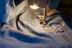 Pantalones vaqueros de costura Foto de archivo libre de regalías