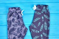 Pantaloni del cotone modellati buio per i bambini Fotografia Stock
