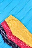 Pantaloni differenti della neonata di colori Fotografie Stock