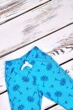 Pantaloni strutturati del blu di bambino Immagine Stock