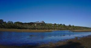 Pantano con agua azul el día soleado imágenes de archivo libres de regalías
