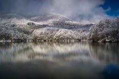 Pantano de Santa Fe del Montseny después del nevadas Foto de archivo libre de regalías