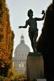 Panteon di Parigi dal giardino del palazzo del Lussemburgo Fotografie Stock Libere da Diritti
