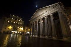 Panteon historisk byggnad i Rome, Italien - natt Arkivfoto
